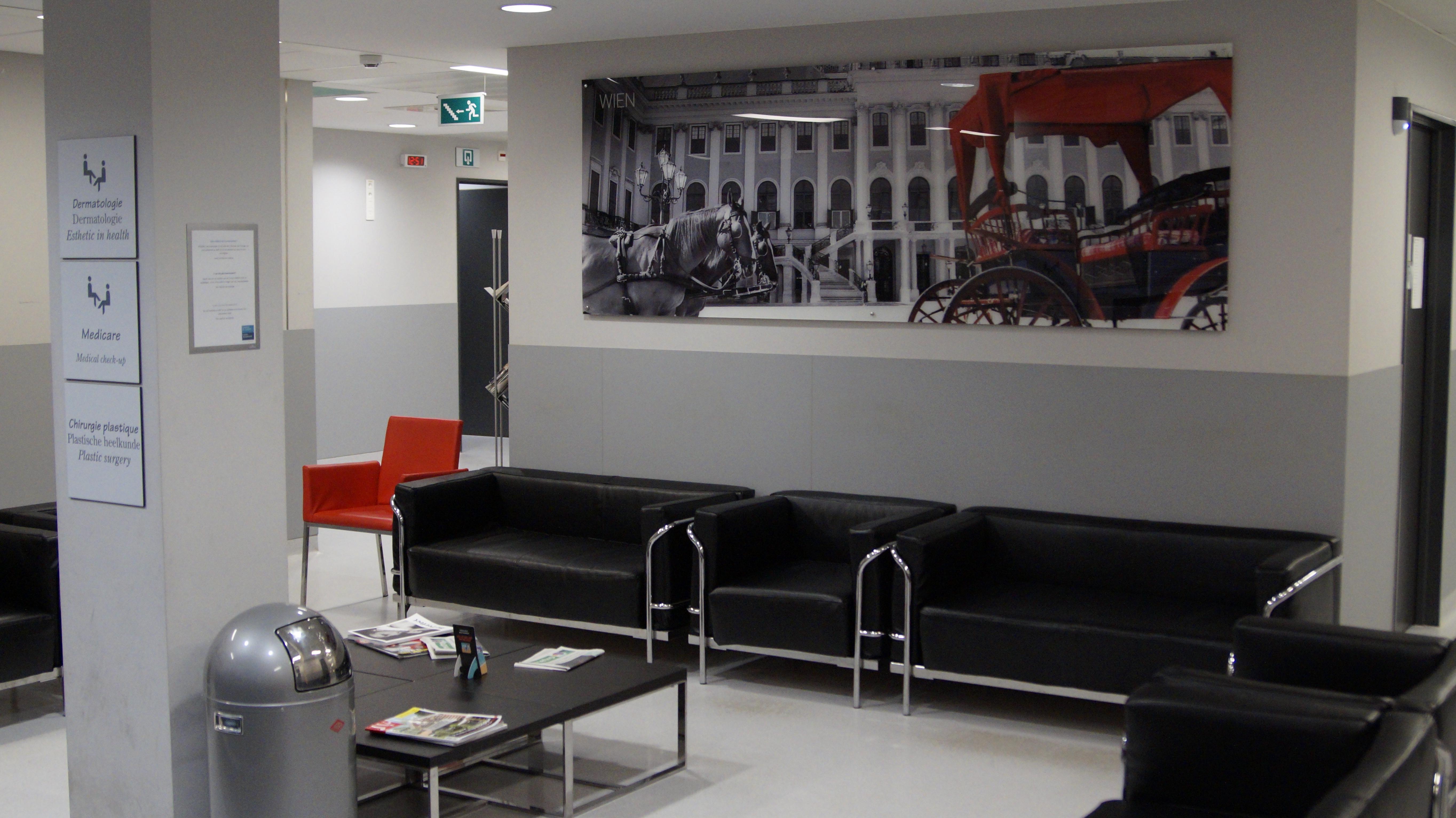 Cliniques de l'Europe Salle d'attente Dr Joe Hellers
